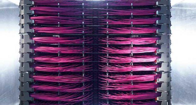 R&M präsentiert Netscale: Informationen aus erster Hand über die Zukunft der Glasfaserverkabelung