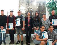 R&M startet Berufsbildung in Bulgarien: Fünf junge Menschen werden zu Elektromechanikern ausgebildet