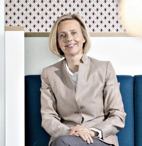 «Wir nehmen nicht nur unsere Rolle als Technologieunternehmen wahr, sondern begleiten unsere Partner in der Entwicklung der neuen Businessmodelle.» Marianne Janik, Country Manager Microsoft Schweiz