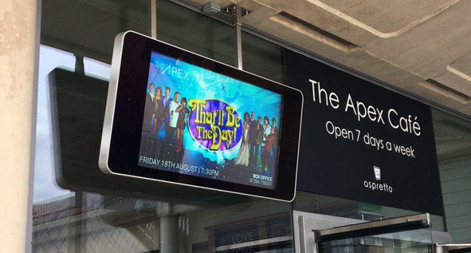 Digital Signage statt Plakate und Schilder