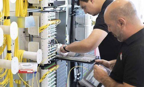 R&M hilft beim Glasfaser-Spleissen