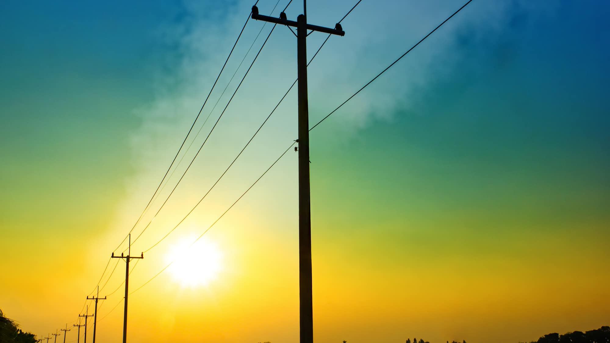 R&M setzt sich für Breitbandversorgung durch Freiluftverkabelung ein. Glasfasernetze in ländlichen Regionen dringender denn je benötigt.